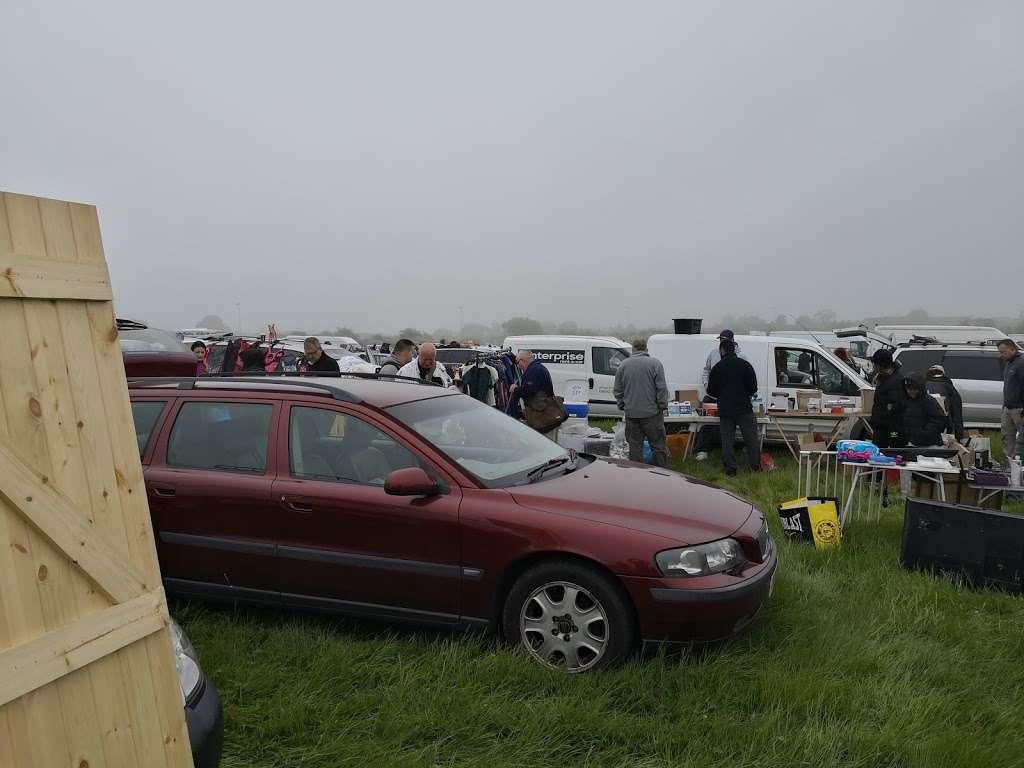 Collier Row Boot fair site - park  | Photo 7 of 10 | Address: Whalebone Ln N, Romford RM6 5RD, UK | Phone: 07952 043584