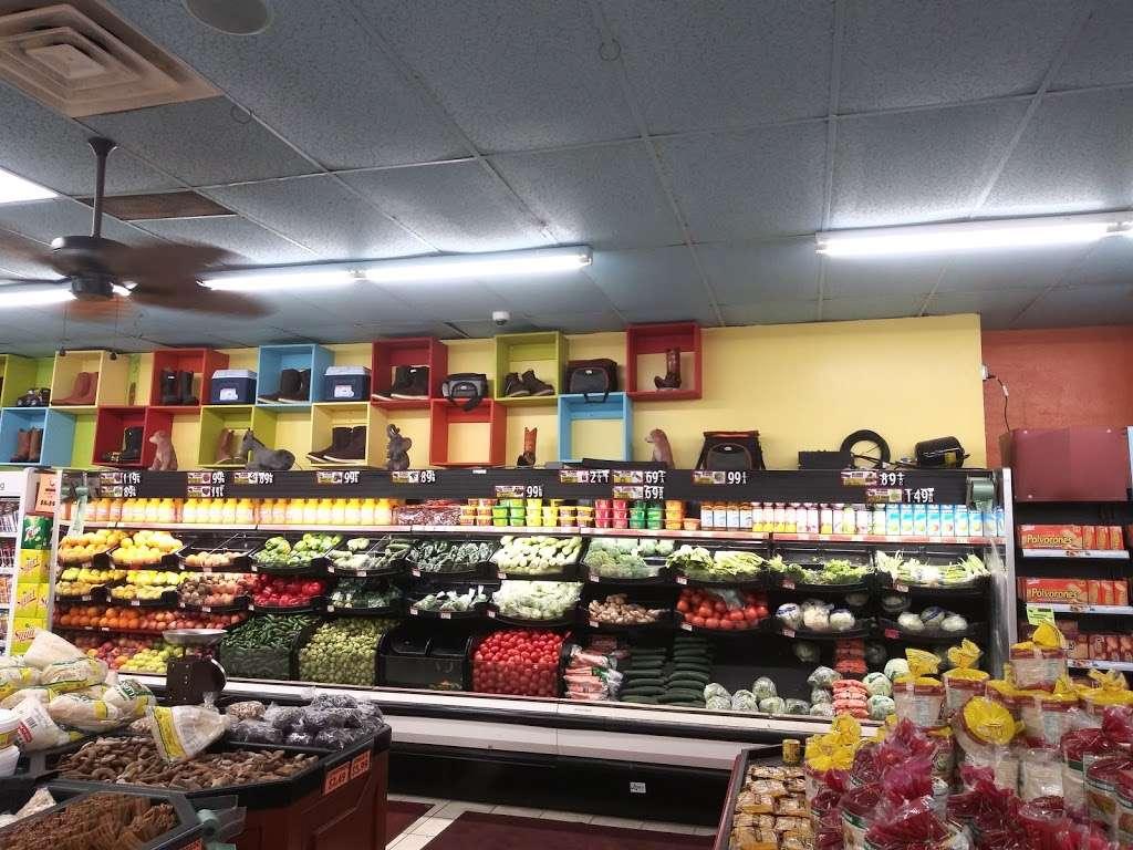 El Toro Loco - store    Photo 2 of 10   Address: 3001-3077 Taft Hwy, Bakersfield, CA 93313, USA   Phone: (661) 831-1852