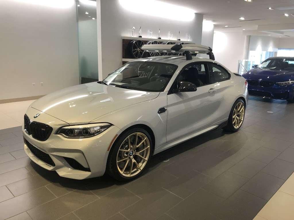 BMW of San Antonio - car dealer  | Photo 7 of 10 | Address: 15507 I-10, San Antonio, TX 78249, USA | Phone: (210) 732-7121