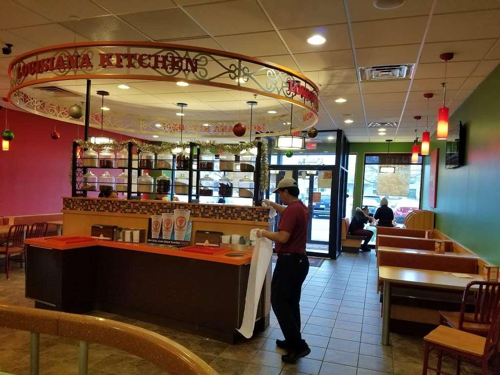 Popeyes Louisiana Kitchen - restaurant  | Photo 9 of 10 | Address: 237 Monmouth St, Jersey City, NJ 07302, USA | Phone: (201) 885-2085