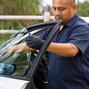 Glass America - car repair  | Photo 6 of 6 | Address: 9816 Us Highway 301 N, Tampa, FL 33637, USA | Phone: (813) 534-0935