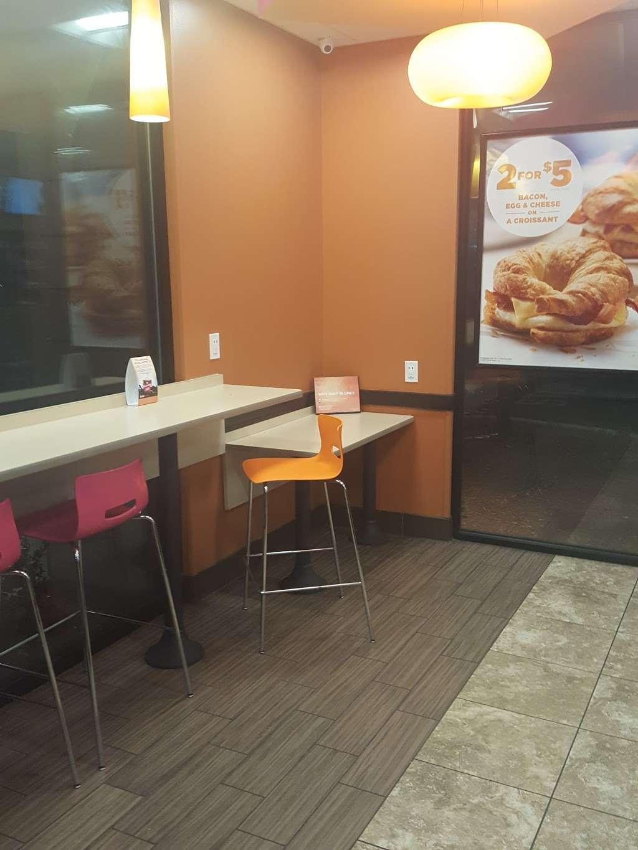 Dunkin Donuts - cafe  | Photo 7 of 10 | Address: 454 Spring St, Elizabeth, NJ 07201, USA | Phone: (973) 298-3285