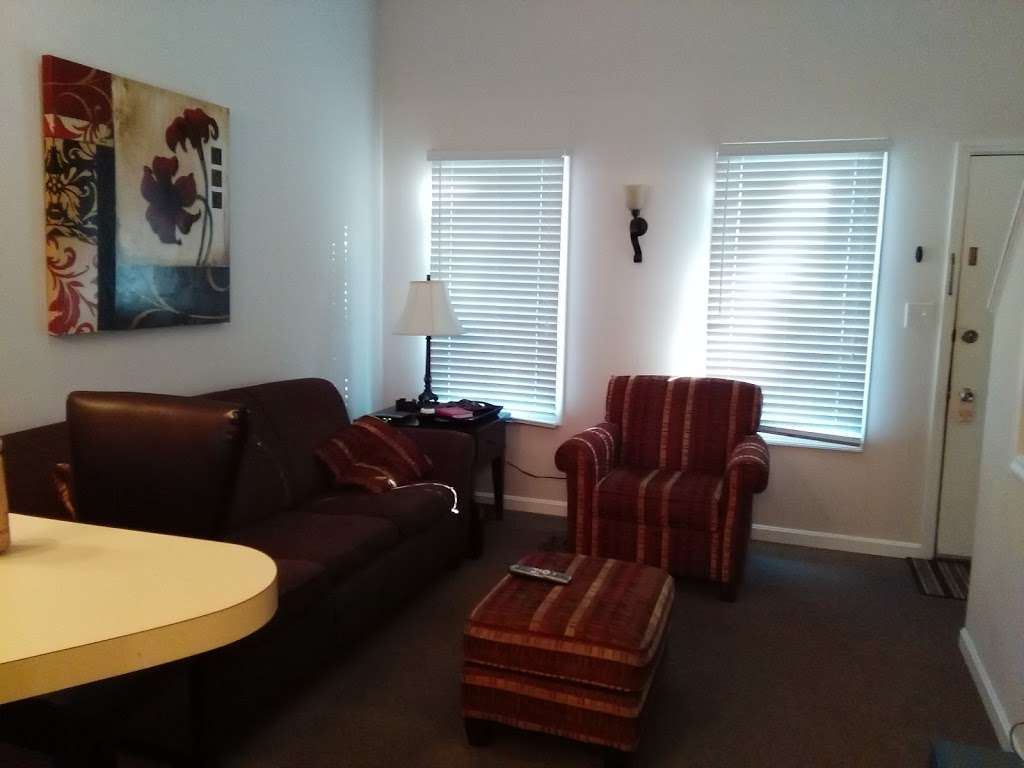 Executive Suites LLC - lodging  | Photo 1 of 10 | Address: 2971 Valley Ave, Winchester, VA 22601, USA | Phone: (540) 667-7386