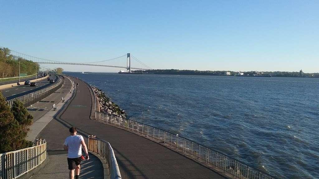 Shore Park and Parkway - park  | Photo 10 of 10 | Address: Verrazano-Narrows Bridge, Brooklyn, NY 11209, USA