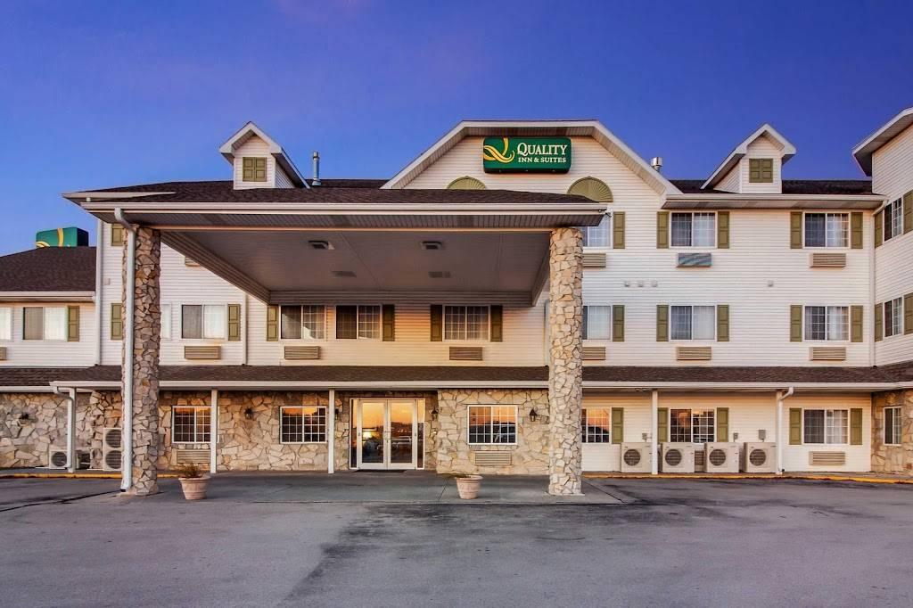 Quality Inn & Suites - lodging  | Photo 6 of 10 | Address: 7333 Husker Cir, Lincoln, NE 68504, USA | Phone: (402) 817-7807