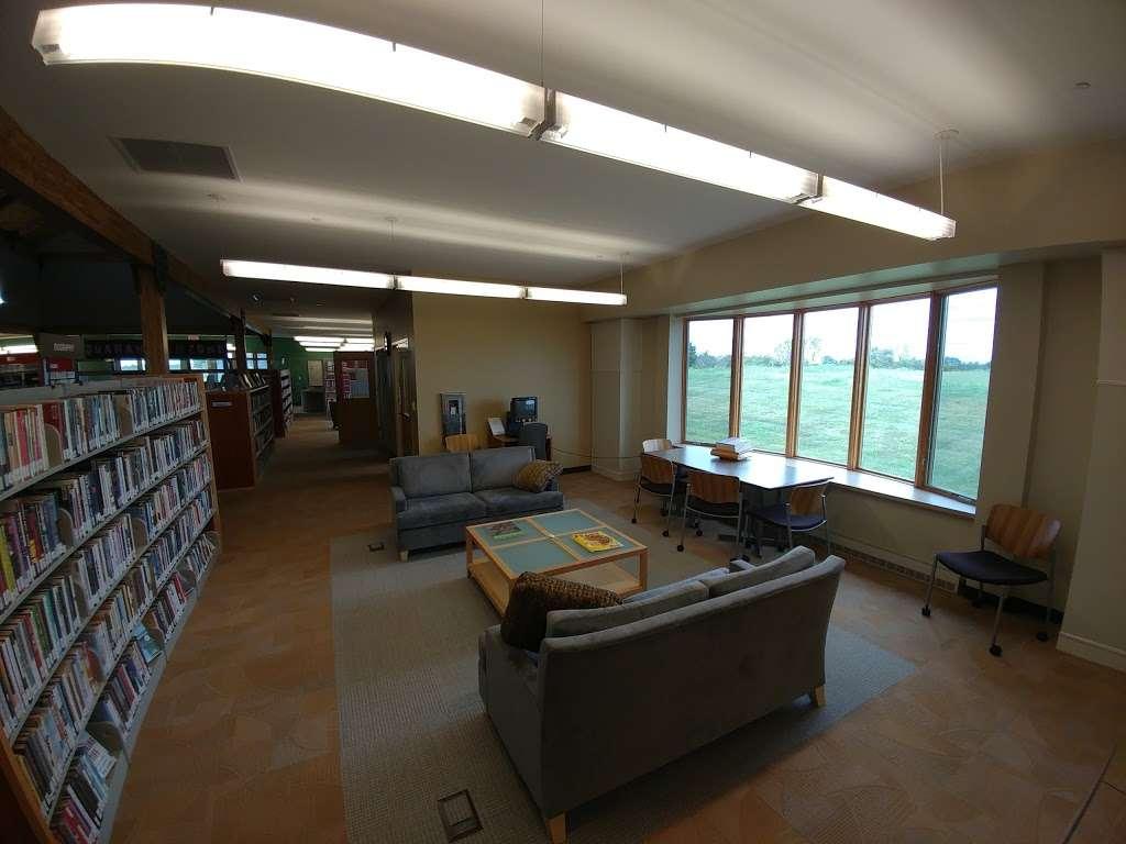 Basehor Community Library - library  | Photo 5 of 10 | Address: 1400 158th St, Basehor, KS 66007, USA | Phone: (913) 724-2828