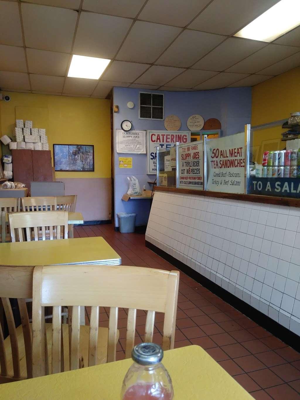 Bragmans - meal takeaway    Photo 8 of 10   Address: 393 Hawthorne Ave, Newark, NJ 07112, USA   Phone: (973) 375-9868