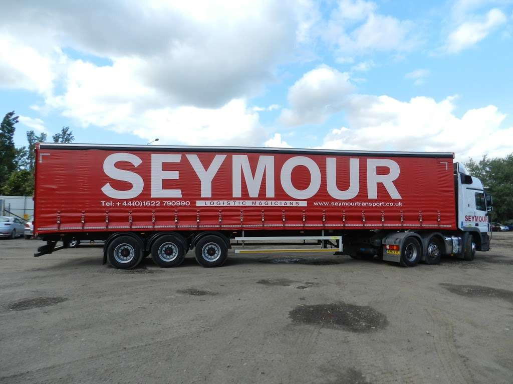 Seymour Transport Ltd - moving company  | Photo 7 of 10 | Address: Westmead, Aylesford, ME20, Larkfield ME20 6XJ, UK | Phone: 01622 790990