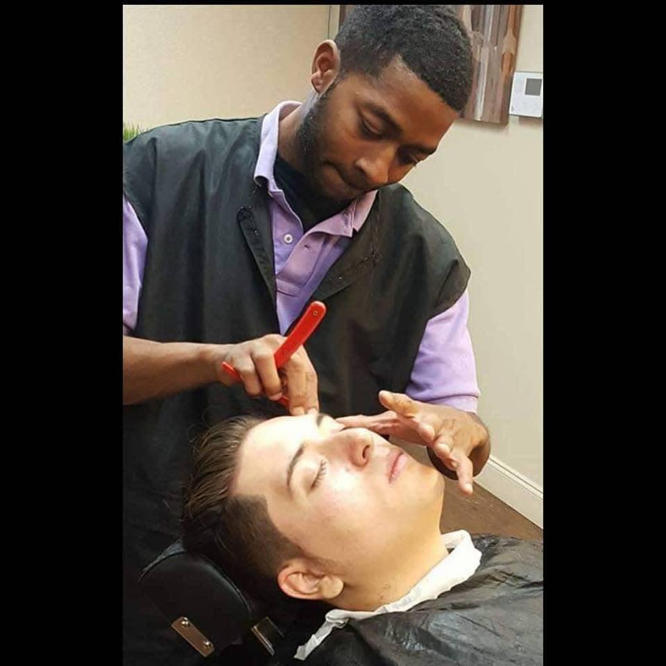 Fresh Styles Barbershop - hair care  | Photo 3 of 8 | Address: 3200 S Cooper St, Arlington, TX 76015, USA | Phone: (817) 468-3990