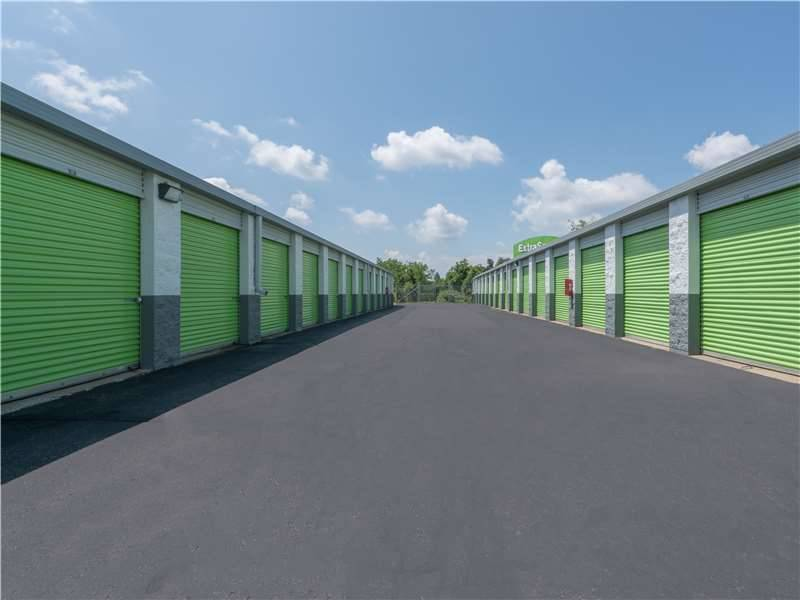Extra Space Storage - moving company    Photo 4 of 10   Address: 110 Kisow Dr, Pittsburgh, PA 15205, USA   Phone: (412) 921-6060