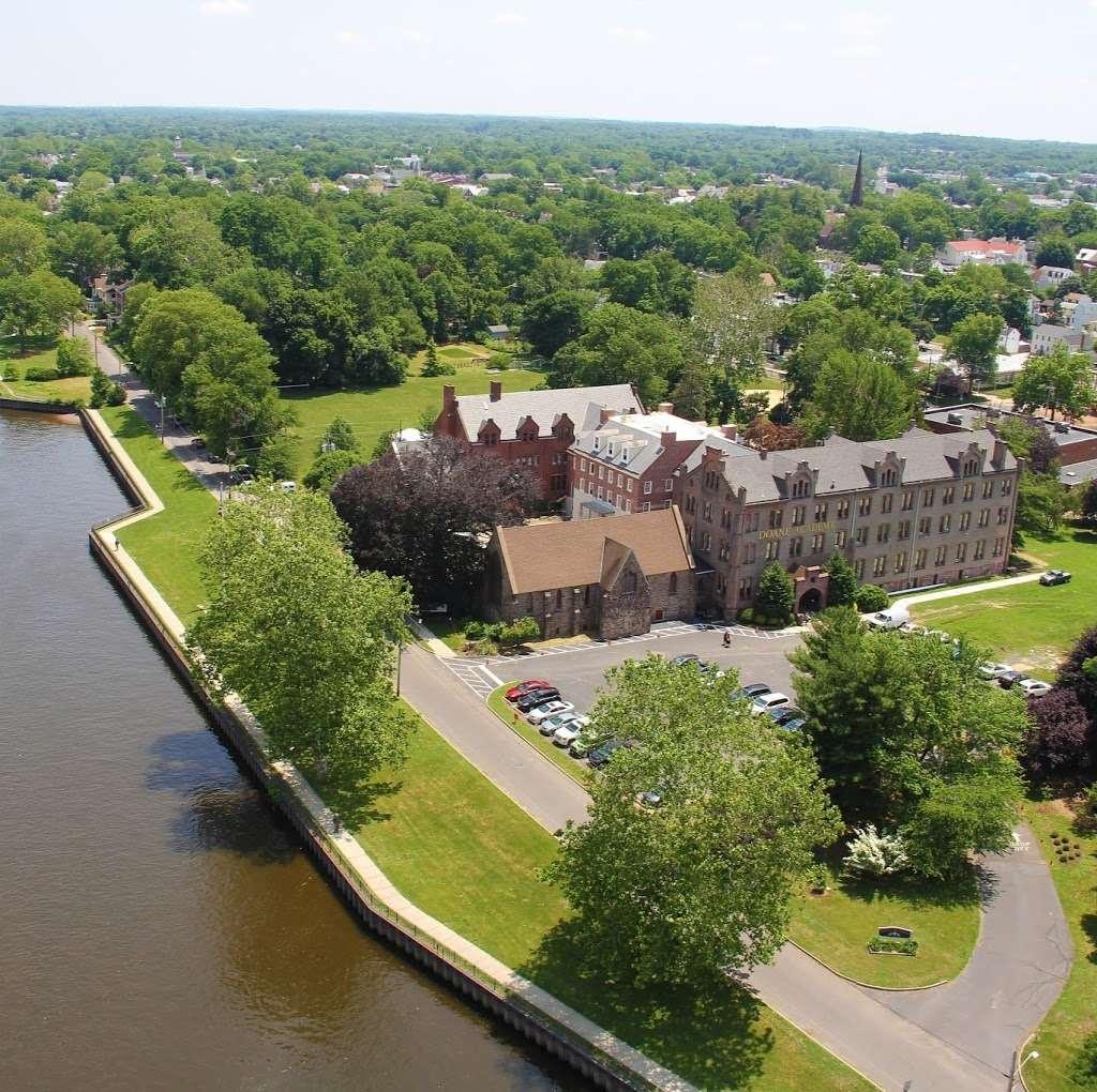 Doane Academy - school  | Photo 9 of 10 | Address: 350 Riverbank, Burlington, NJ 08016, USA | Phone: (609) 386-3500