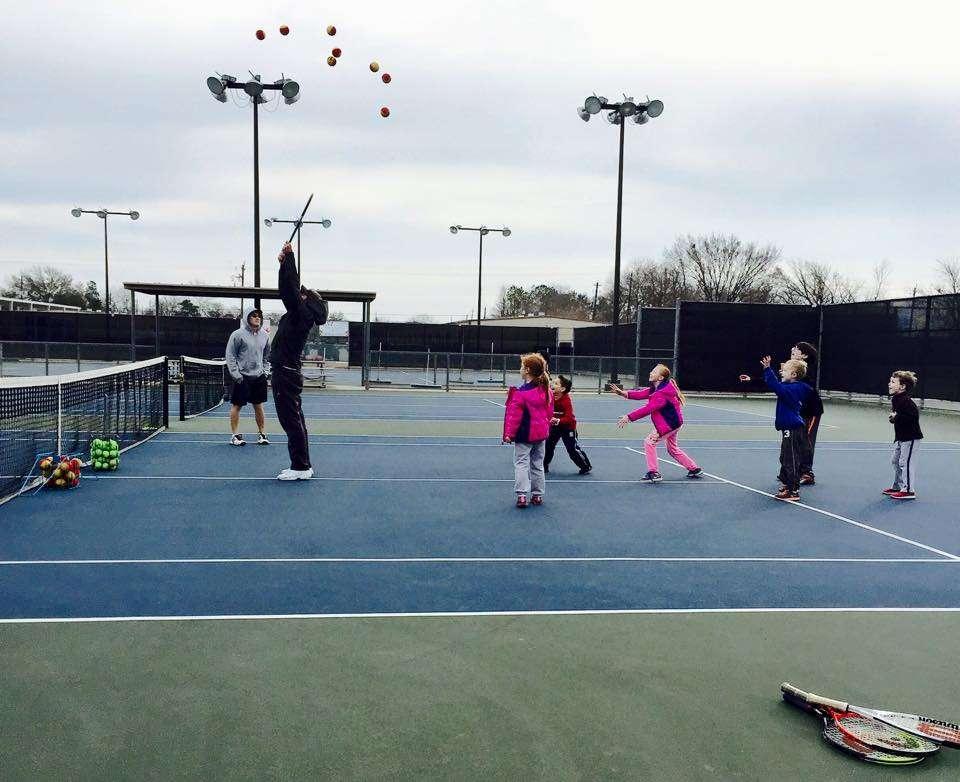South Houston Tennis Academy - health  | Photo 3 of 10 | Address: 411 Tallowood Dr, El Lago, TX 77586, USA | Phone: (832) 741-6438