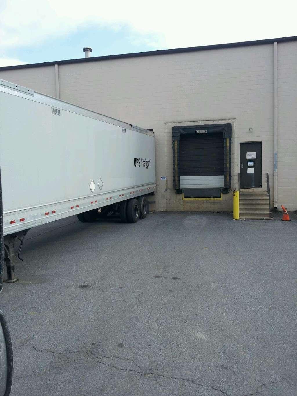 Wasserstrom Allentown Distribution Center - store  | Photo 2 of 2 | Address: 4779 Hanoverville Rd, Bethlehem, PA 18020, USA | Phone: (610) 266-8520