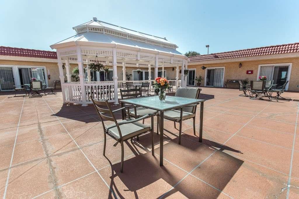 Golden Hill Subacute and Rehabilitation Center - health  | Photo 9 of 10 | Address: 1201 34th St, San Diego, CA 92102, USA | Phone: (619) 232-2946