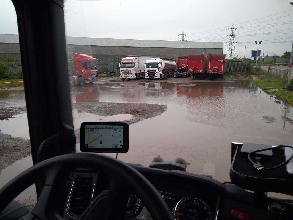 Titan Truck Park - parking    Photo 5 of 7   Address: Stoneness Rd, Grays RM20 3AG, UK   Phone: 01708 258500