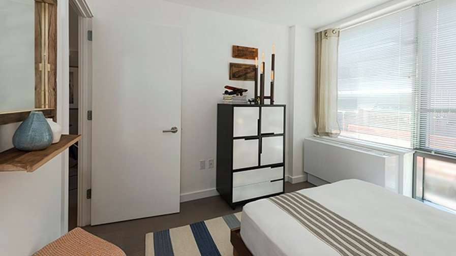 250 N 10th Apartments - real estate agency  | Photo 3 of 10 | Address: 250 N 10th St, Brooklyn, NY 11211, USA | Phone: (866) 346-2077