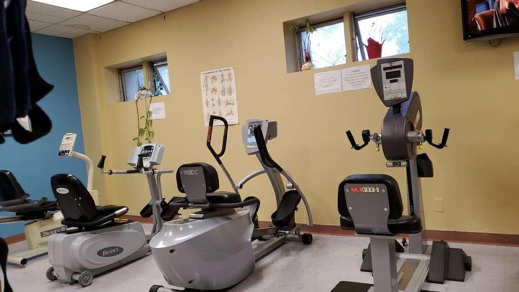 Strulowitz & Gargiulo - physiotherapist  | Photo 3 of 3 | Address: 115 W 42nd St, Bayonne, NJ 07002, USA | Phone: (201) 243-6662