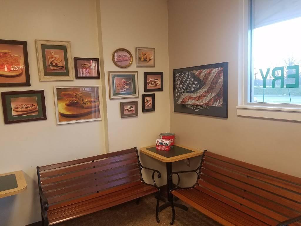 Mama Mias Pizza -St Joe - restaurant  | Photo 3 of 10 | Address: 6656-A St Joe Rd, Fort Wayne, IN 46835, USA | Phone: (260) 485-9777