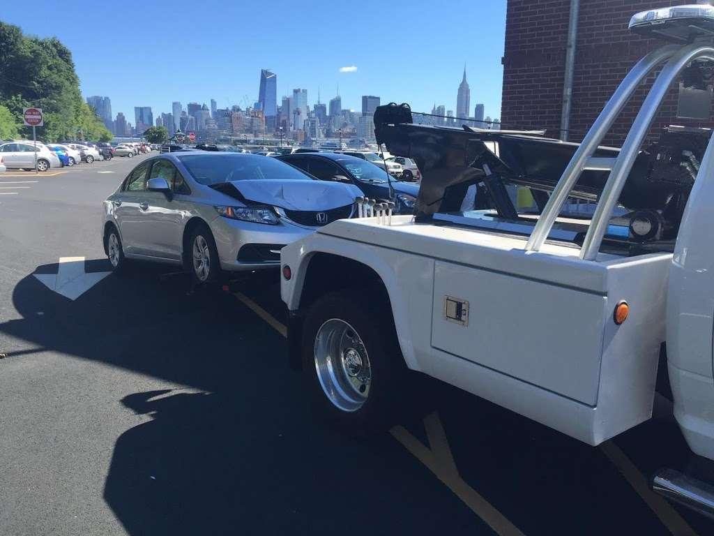 Advanced Towing - car repair  | Photo 8 of 10 | Address: 1163 John Fitzgerald Kennedy Blvd, Bayonne, NJ 07002, USA | Phone: (201) 437-6339