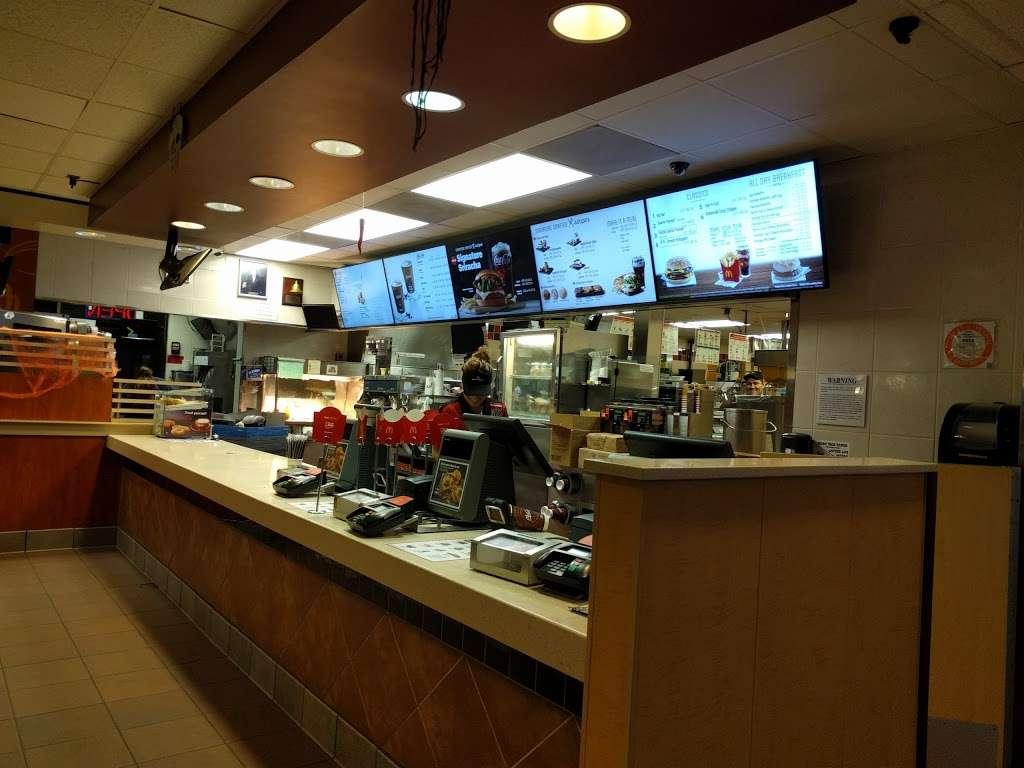 McDonalds - cafe    Photo 2 of 10   Address: 1526 W Edinger Ave, Santa Ana, CA 92704, USA   Phone: (714) 546-5612