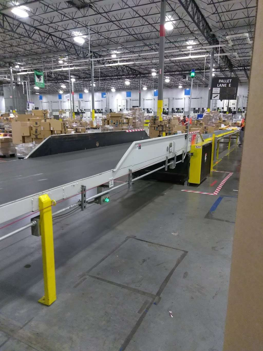 HOU1-Amazon Fulfillment Center - storage  | Photo 4 of 10 | Address: 8120 Humble Westfield Rd, Humble, TX 77338, USA | Phone: (877) 243-2915