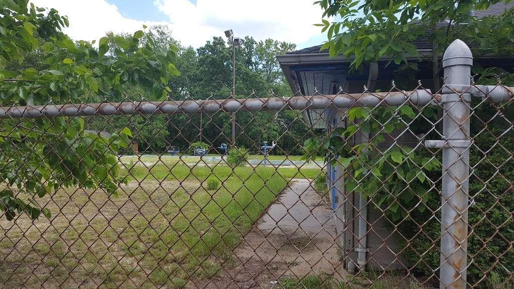 Vivyen Field - park    Photo 7 of 10   Address: 299 N Vivyen St, Bergenfield, NJ 07621, USA