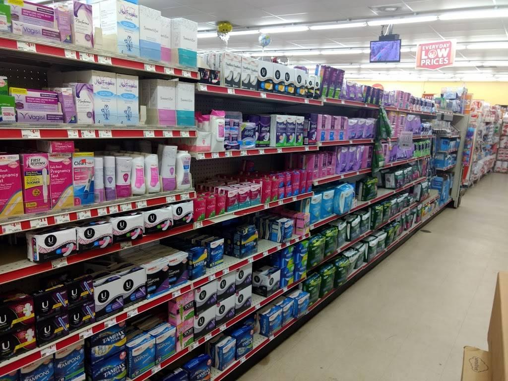 Family Dollar - supermarket  | Photo 9 of 10 | Address: 4301 Statesville Rd, Charlotte, NC 28269, USA | Phone: (704) 921-0647