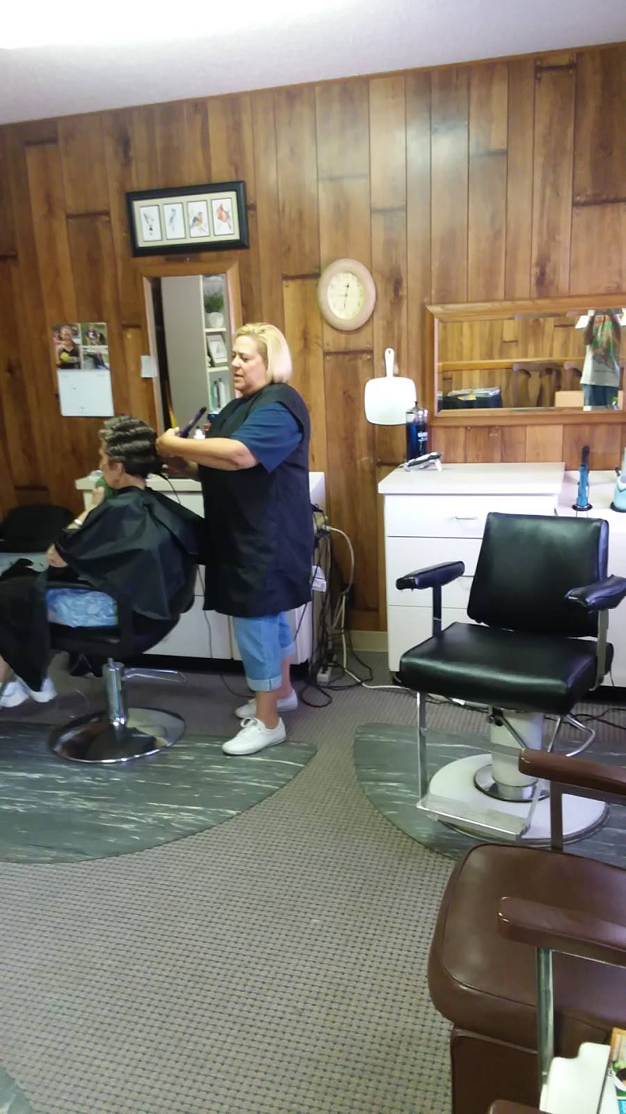 Fresh Cuts Beauty Salon - hair care  | Photo 1 of 2 | Address: 11311 Hickman Mills Dr, Kansas City, MO 64134, USA | Phone: (816) 589-4987