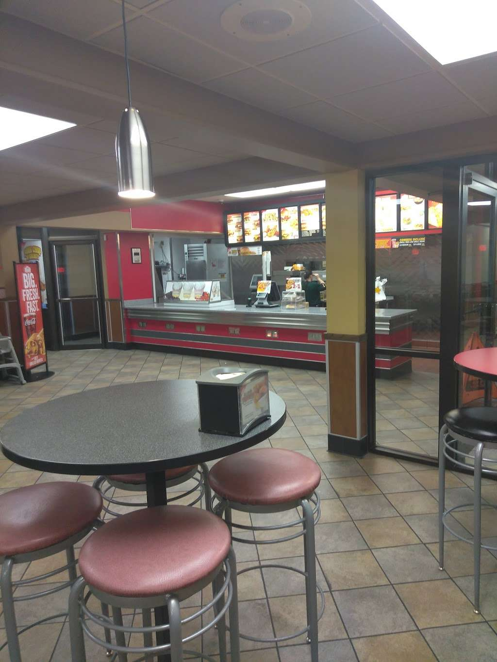 Hardees - restaurant  | Photo 5 of 10 | Address: 4401 E 10th St, Indianapolis, IN 46201, USA | Phone: (317) 359-4655