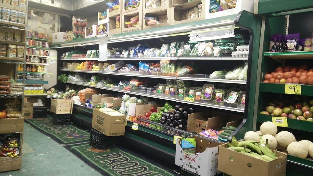 Raskins Fruit & Produce - store    Photo 7 of 10   Address: 335 Kingston Ave, Brooklyn, NY 11213, USA   Phone: (718) 756-3888