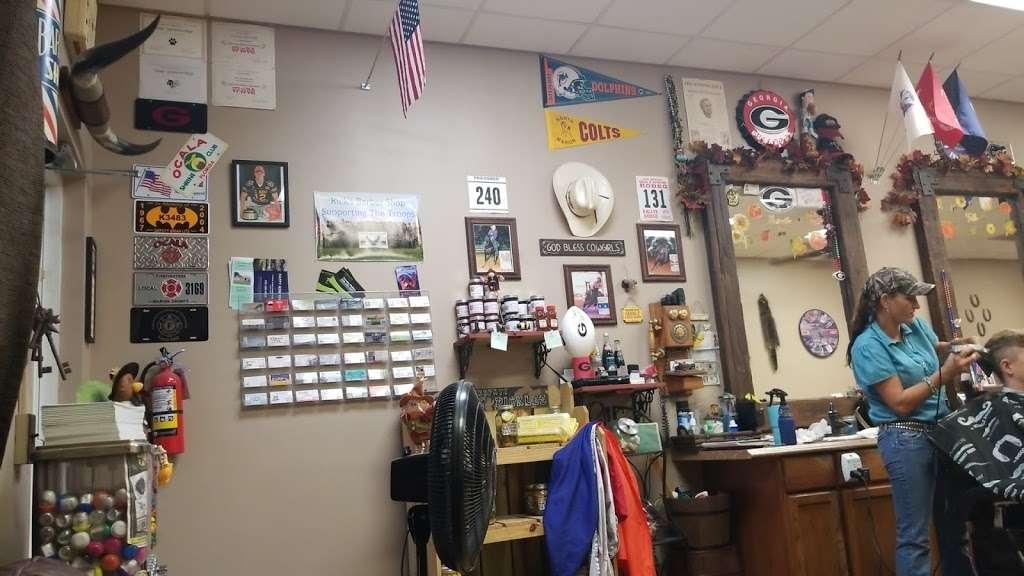 Glyna Maes Barber Shop - hair care  | Photo 3 of 10 | Address: 3250 SE 58th Ave, Ocala, FL 34480, USA | Phone: (352) 694-1500