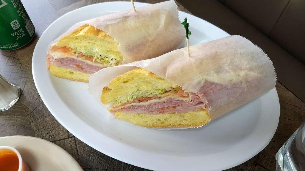 New York Italian Deli - restaurant  | Photo 6 of 10 | Address: 145 Amboy Ave, Woodbridge, NJ 07095, USA | Phone: (732) 855-0099