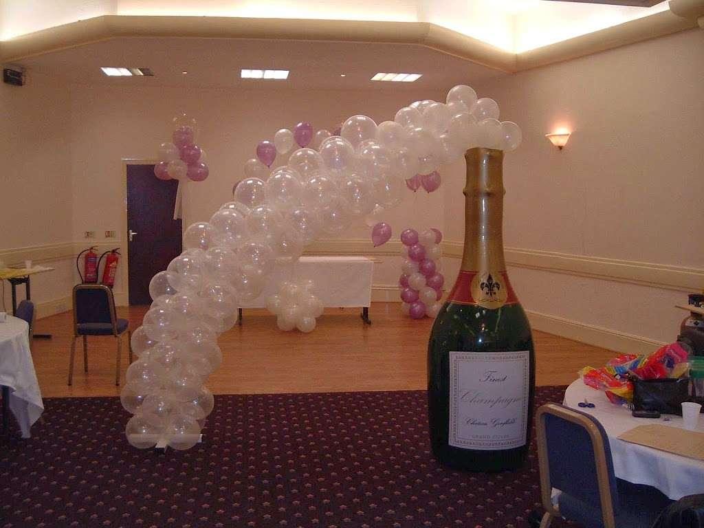 minnieivys - florist  | Photo 1 of 6 | Address: Salesbury Dr, Billericay CM11 2JH, UK | Phone: 01277 657013