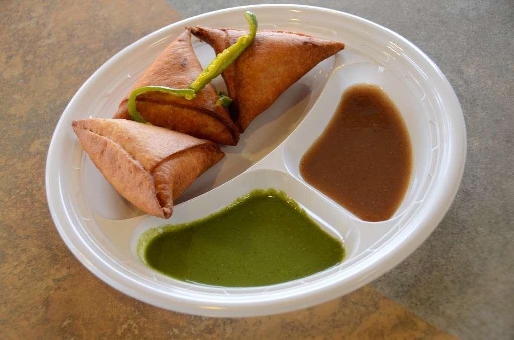 Chataka Masti Indian Grill - restaurant  | Photo 7 of 10 | Address: 888 S. Rt 59 #108, Naperville, IL 60540, USA | Phone: (630) 922-5880