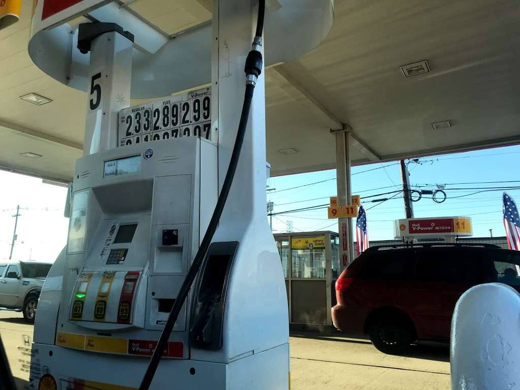 Shell - gas station  | Photo 7 of 10 | Address: 1810 Tonnelle Ave, North Bergen, NJ 07047, USA | Phone: (201) 271-0905