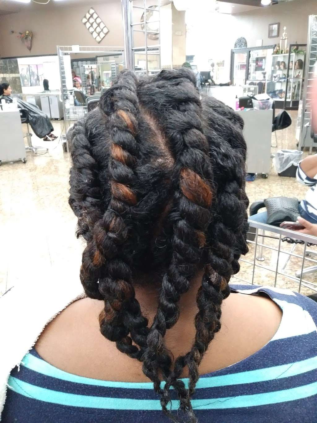 Born Envied Extensions Salons - hair care  | Photo 6 of 10 | Address: 3114 Idaho Ave, Dallas, TX 75216, USA | Phone: (682) 701-0788