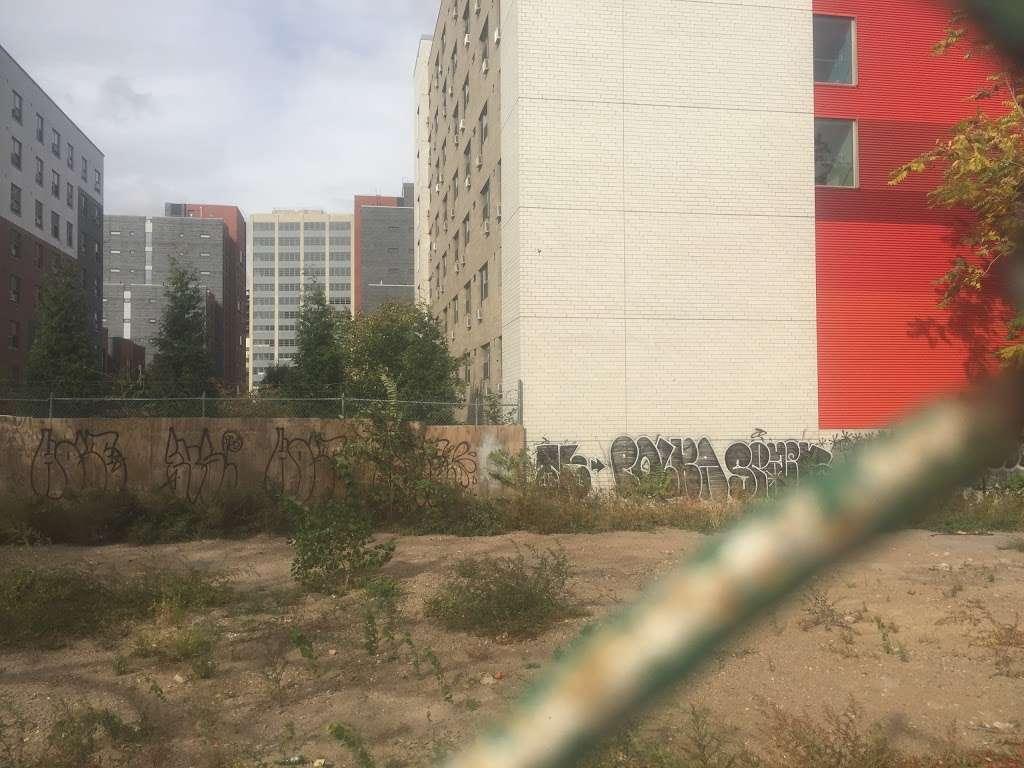 Navy Green - real estate agency  | Photo 2 of 2 | Address: 130 Flushing Ave, Brooklyn, NY 11205, USA