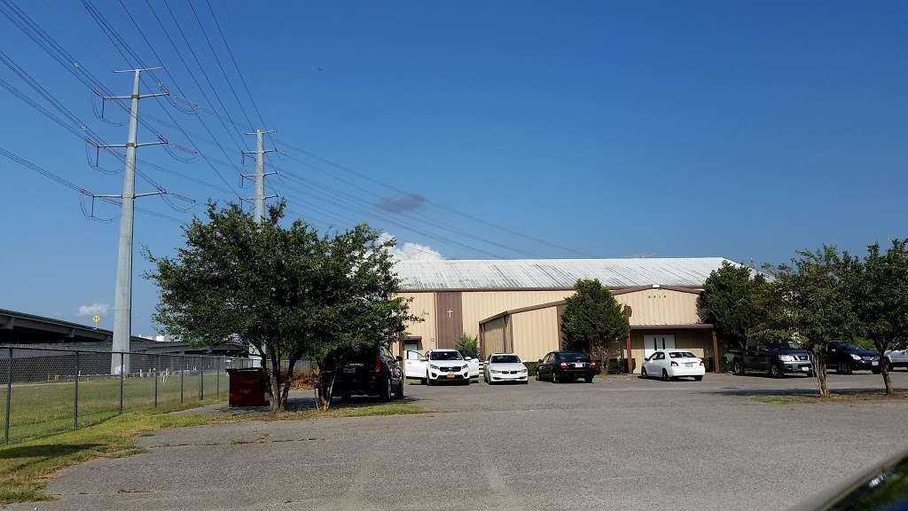 Suburban Wood Baptist Church - church  | Photo 3 of 9 | Address: 6511 Eddie Dr, Humble, TX 77396, USA | Phone: (281) 441-3959
