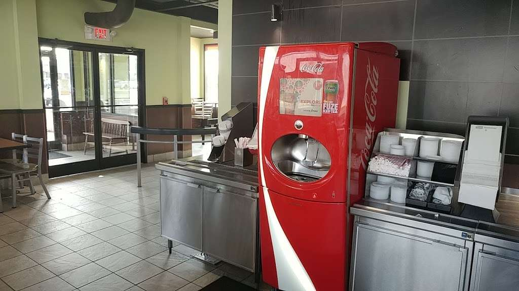 Burger King - restaurant    Photo 3 of 10   Address: 490 US-46, South Hackensack, NJ 07606, USA   Phone: (201) 641-5534