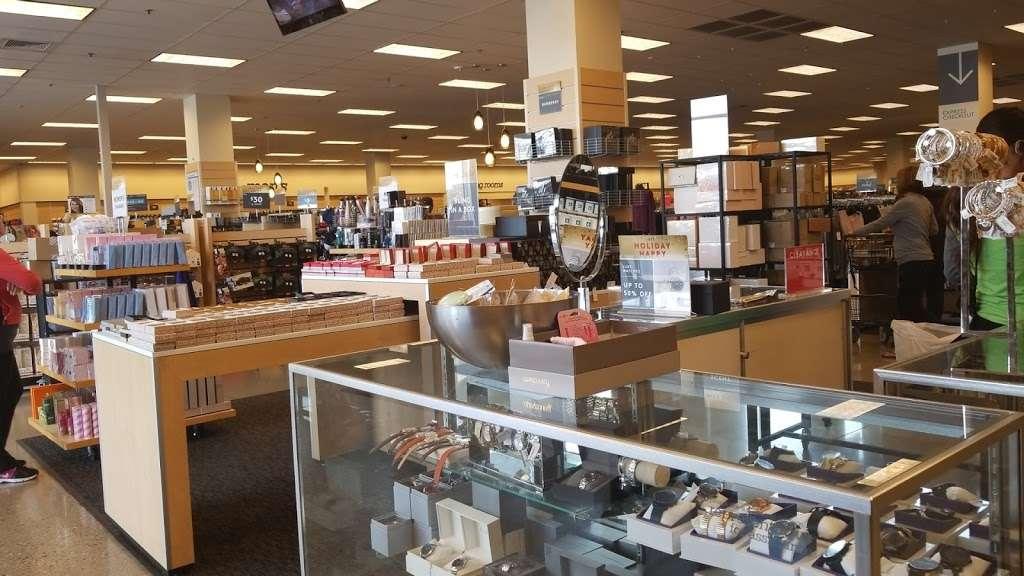 Nordstrom Rack South Bay MarketPlace - clothing store  | Photo 5 of 10 | Address: 1517 Hawthorne Blvd, Redondo Beach, CA 90278, USA | Phone: (424) 254-2448