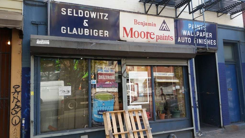 Seldowitz & Glaubiger Paints - home goods store  | Photo 1 of 2 | Address: 172 Graham Ave, Brooklyn, NY 11206, USA | Phone: (718) 388-5151