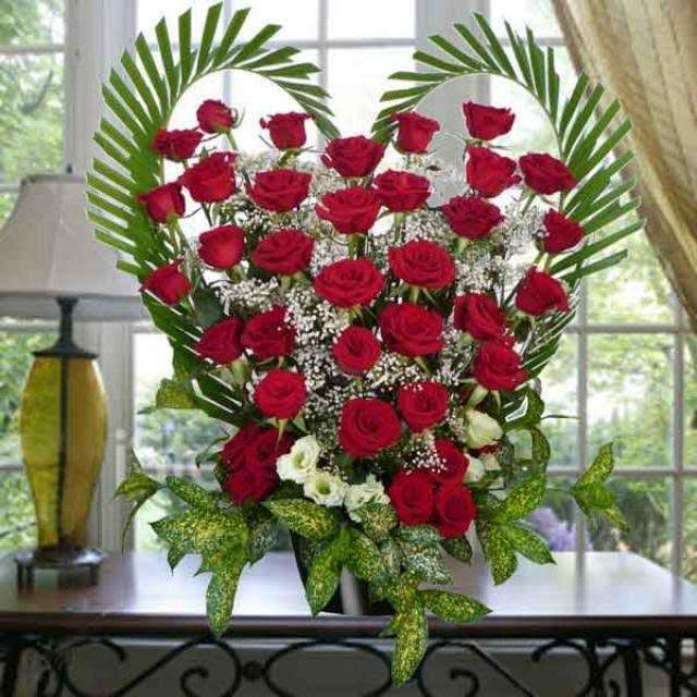 Crown Heights Florist & Fruit Baskets - florist    Photo 3 of 10   Address: 325 Kingston Ave, Brooklyn, NY 11213, USA   Phone: (718) 773-1000