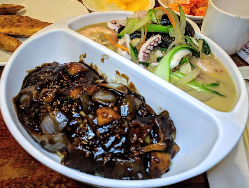 Joong Koog Jip - restaurant  | Photo 6 of 10 | Address: 149-08 41st Ave, Flushing, NY 11355, USA | Phone: (718) 358-0468