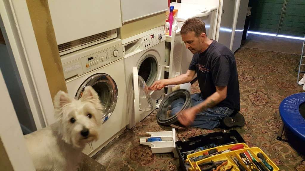 Automatic Washing machine repairs - home goods store  | Photo 1 of 4 | Address: 24 Hilltop Cl, Cheshunt, Waltham Cross EN7 6QN, UK | Phone: 01992 638238