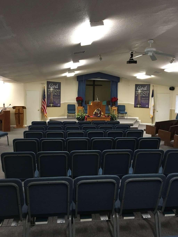 Lighthouse Baptist Church - church  | Photo 1 of 6 | Address: 3321 Farrell Rd, Vacaville, CA 95688, USA | Phone: (707) 724-8822