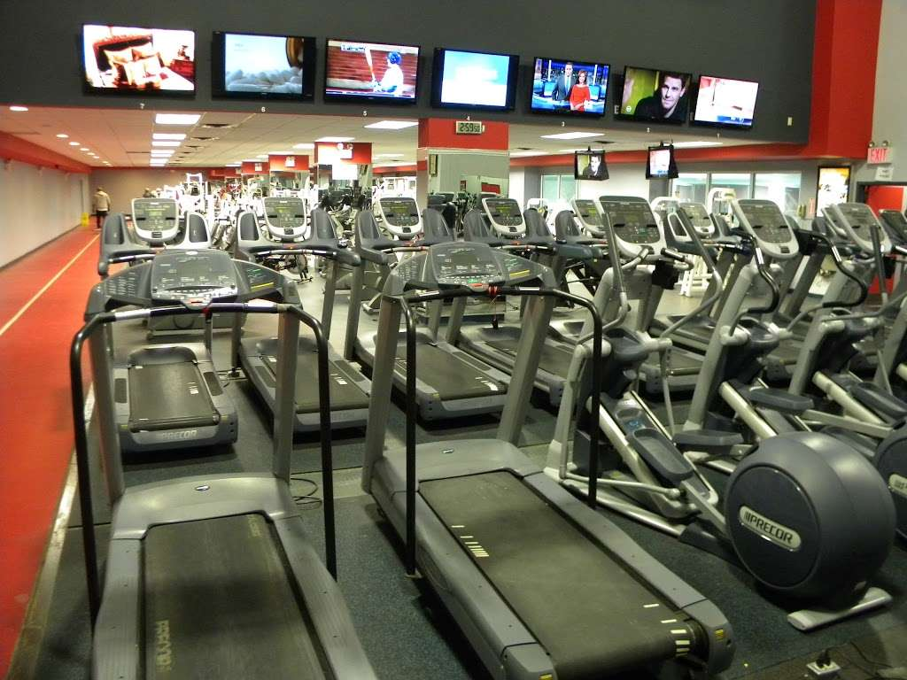Pacplex - gym  | Photo 2 of 10 | Address: 1500 Paerdegat Ave N, Brooklyn, NY 11236, USA | Phone: (718) 209-1010