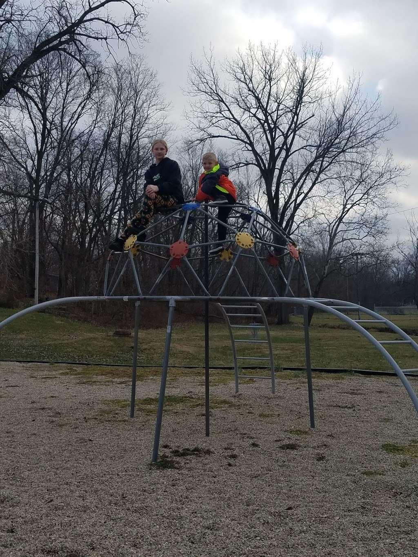 Jonesboro Community Park - park  | Photo 9 of 10 | Address: 708 Fairmount Ave, Jonesboro, IN 46938, USA | Phone: (765) 674-1196