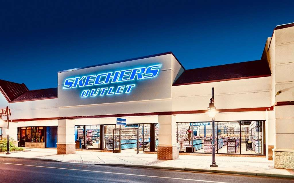 SKECHERS Factory Outlet, 6107 Hwy 6 N