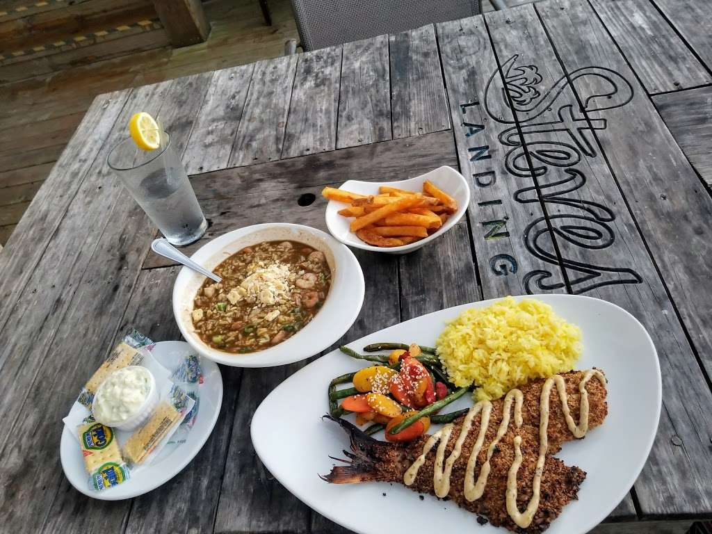 Steves Landing Restaurant - restaurant  | Photo 8 of 10 | Address: 1290 Bay Vue Rd, Crystal Beach, TX 77650, USA | Phone: (409) 684-1999