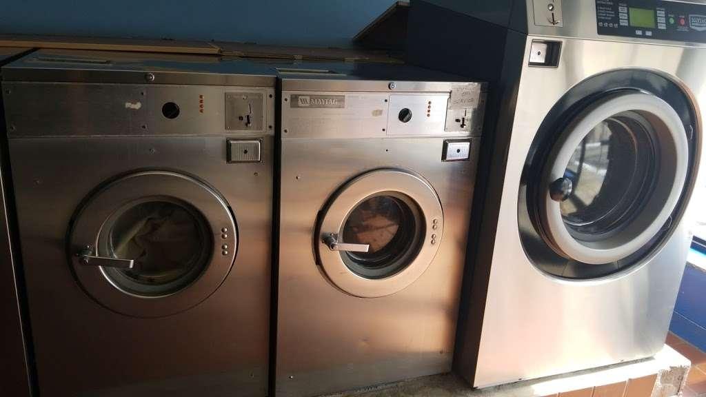 Modern Highland Laundry - laundry  | Photo 5 of 7 | Address: 392 Highland Ave, Clifton, NJ 07011, USA